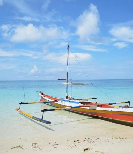 """Tolala """"White Sand"""" Beach"""