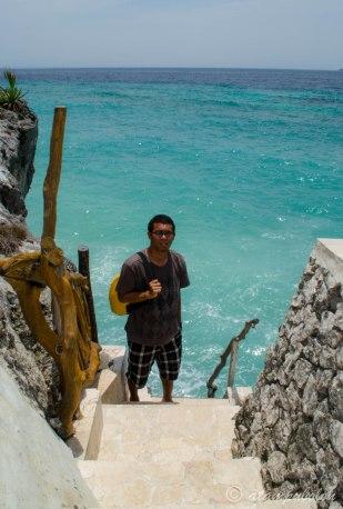 habis lompat dari tebing dan berhasil selamat ;)