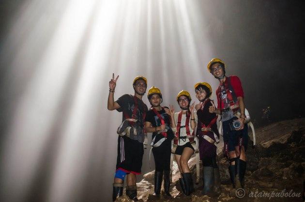 'cahaya surga' dan petualang